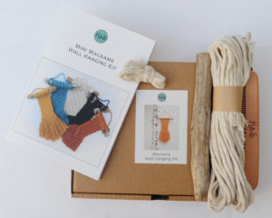 White mini wall hanging kit